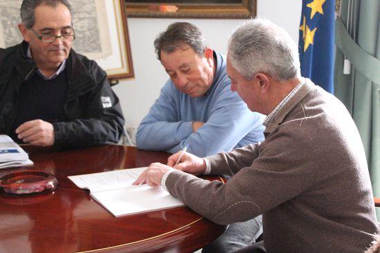 2015_Firma_Acta_Edificio_Servicios_Sociales_001